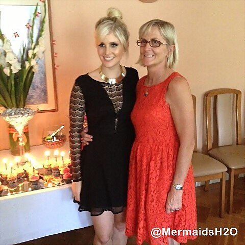 Amy Ruffle 21 Birthday con su madre (Feb 25, 2013)