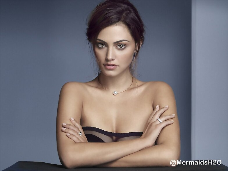 Phoebe Tonkin - 'Jan Logan Jewelery' 2012