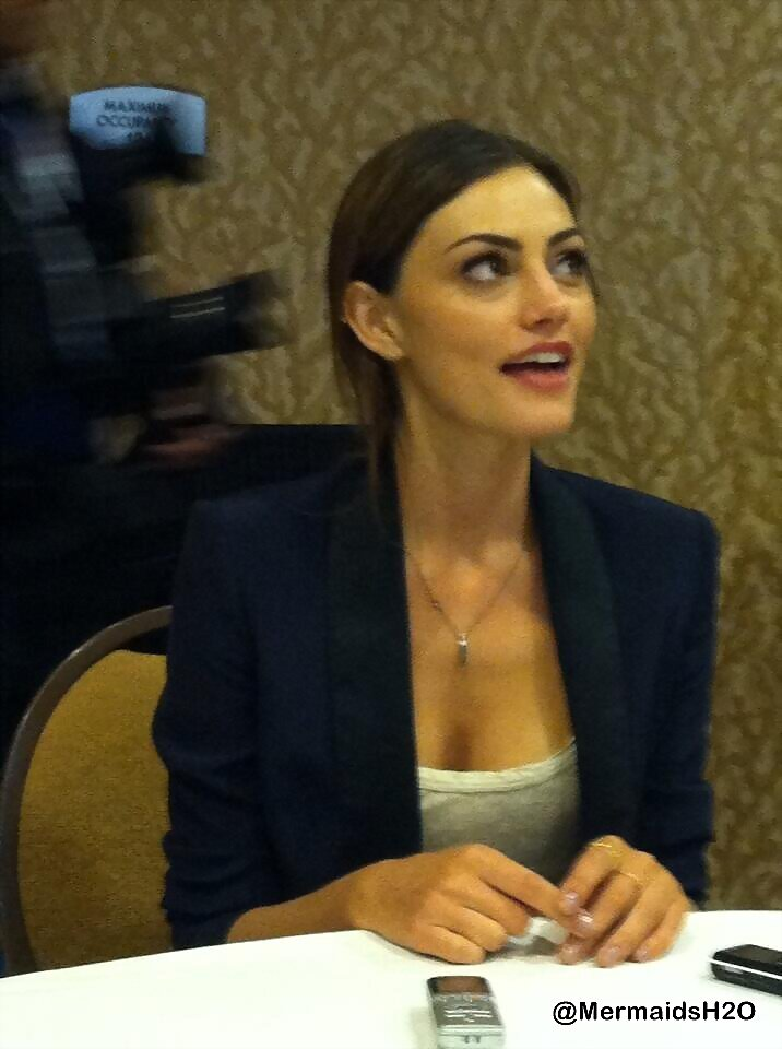 Phoebe Tonkin interview - San Diego Comic Con 2013