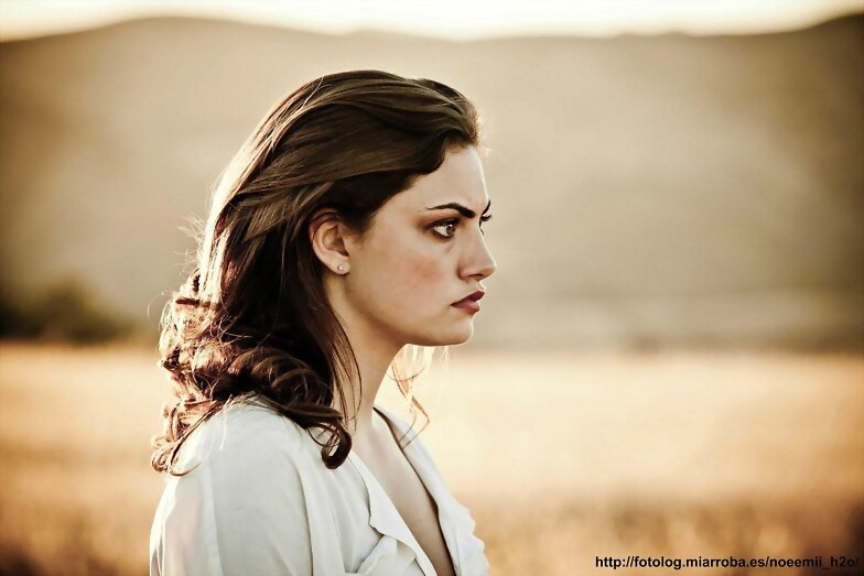 Phoebe Tonkin - Miles Fisher 'Don't Let Go' (2012)
