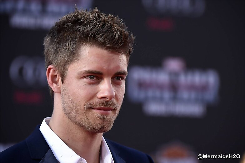Luke Mitchell - Premiere Captain America | 2016