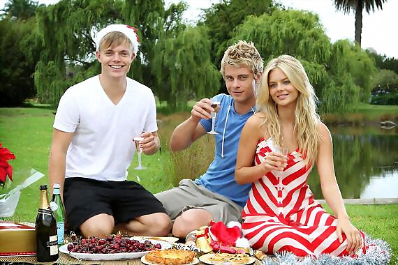 Luke Mitchell photoshoot con Samara Weaving