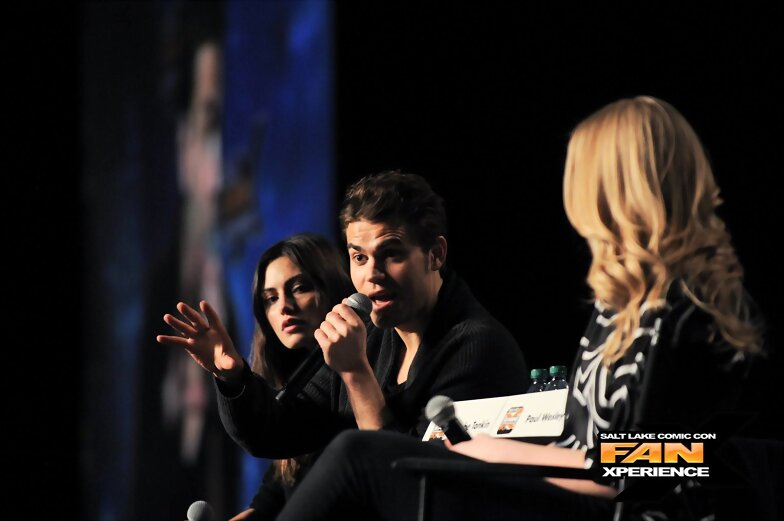 Phoebe Tonkin - Salt Lake Comic Con Fan Xperience