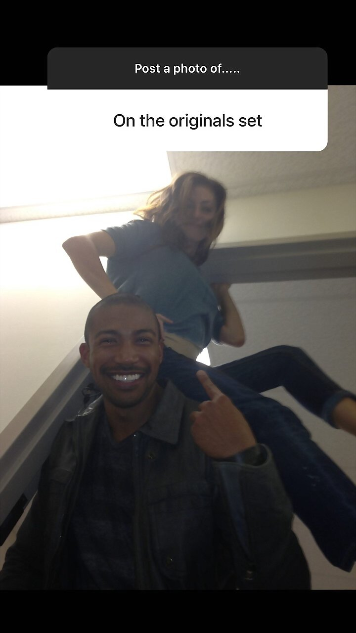 Behind the scenes Phoebe Tonkin en The Originals