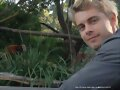 Luke Mitchell en el Zoo