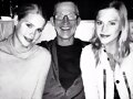 Claire Holt con su hermana Madeline Holt y padre