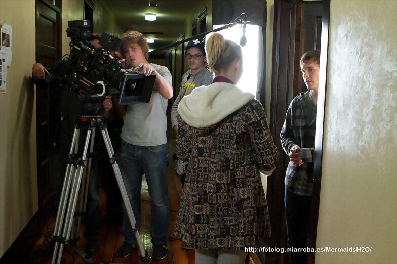 Claire Holt - behind the scenes en Blue Like Jazz