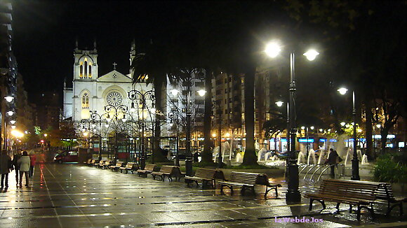 Xixón at night
